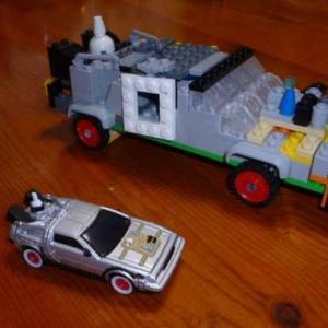 レゴでデロリアンを作ったが、難しかった。