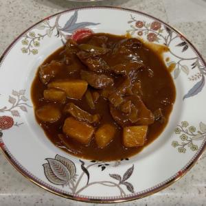 ビーフシチューをアレンジした男の手料理『宮崎牛ステーキ肉』編