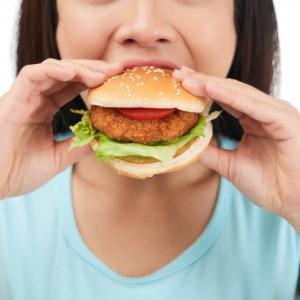 必見!脳を勘違いさせると食事量が減る