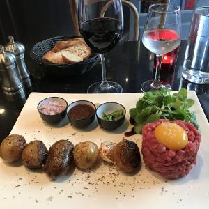 【レストランオーナーから友達に】パリ・レストランでの出会い