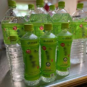 ペットボトルに氷&ニンマリ(^^)