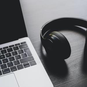 オーディオブックアプリ「audiobook.jp」の聴き放題で聴くおすすめのコミュニケーションスキル・心理術の本5選