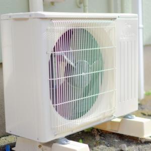 エアコン室外機に日よけカバーを設置する