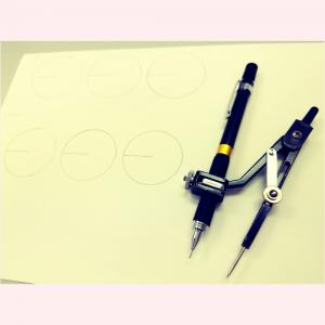 お久しぶりに円を書く。
