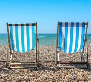 夏の海キャンプの暑さ対策は? おすすめグッズ10選