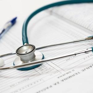 退職時の健康保険証の返却方法と添え状の例文