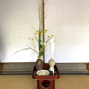 南禅寺参道、瓢亭さんの玄関にて。朝。