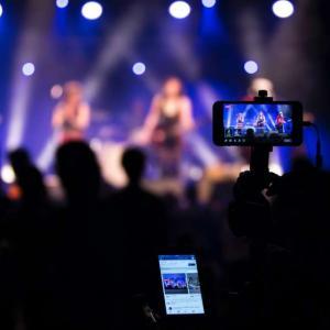 有料ライブ配信サービスは音楽業界を救う!ZAIKOなど全8サービスを紹介