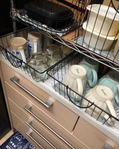 引き出しにも<100均Can★Do>カフェ柄食器棚シート