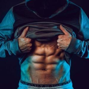 綺麗に割れた腹筋が見たいなら、体脂肪が効果的に落とせる断食がオススメ!!