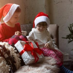 クリスマスプレゼント交換のやり方を知りたい!ゲームやテーマもご紹介!