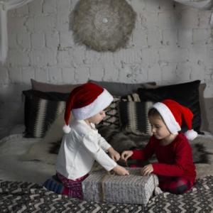 クリスマスプレゼント交換の予算問題!どれくらいが相場か知りたい!