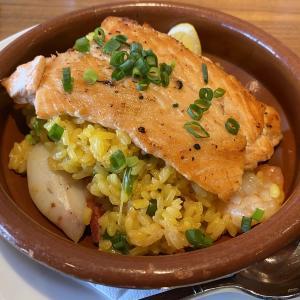 美食世界一のパエリア!?ミシュランの街で知られるバスク地方の料理が渋谷で味わえる!【渋谷東「サンジャン・ピエドポー」鮮魚のパエリア】