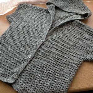 まっすぐ編みのカーデ。
