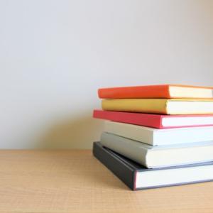 """【整理収納】知ってる?100冊以上の本でも""""いる""""いらない""""の判断がサクサクできる方法"""
