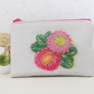 羊毛フェルト刺繍 and 刺繍糸