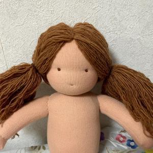 ウォルドルフ人形 いろいろなスタイルが楽しめる髪の毛