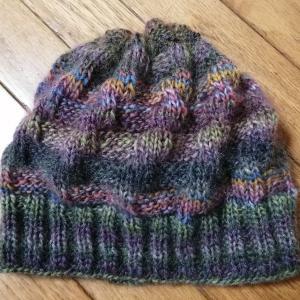 手編みの帽子が完成しました。