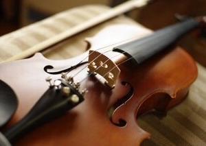 心に響くバイオリンの音色とブルーハーツの曲