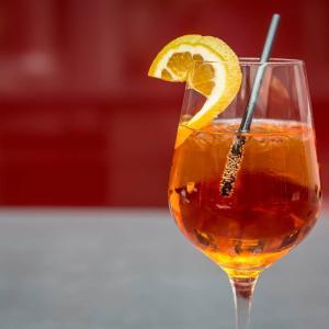【シンガポール飲み】女子会でお酒がお得なレディースナイトのお店3選