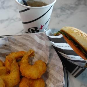シンガポールで韓国の有名ハンバーガーチェーン「Burger+(バーガープラス)」に行ってみたよ