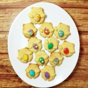 イースターエッグを抱っこするしろくまクッキー レアクッキー型も