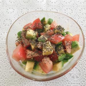 【糖質制限レシピ】アボカドとトマトの亜麻仁サラダ☆