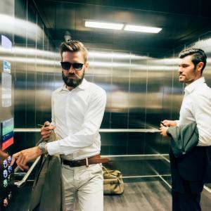 【役に立つ】エレベーターが落ちる事故ってある?確率と助かる方法