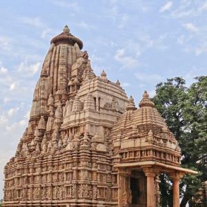 行った気になる世界遺産 カジュラーホーの建造物群 パールシュバナータ寺院