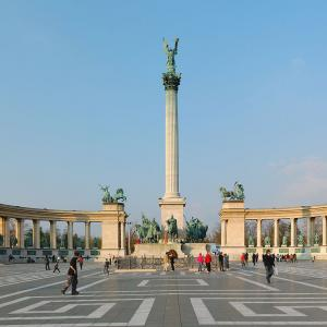 行った気になる世界遺産 ブダペストのドナウ河岸とブダ城地区およびアンドラーシ通り 英雄広場