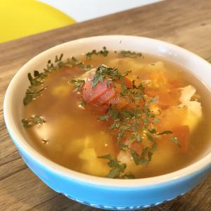 簡単で食べ応えあり!「お腹にやさしいトマトスープ」のレシピ