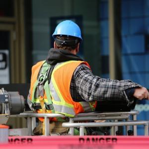 パナソニックの早期退職に見る、雇用のひずみ