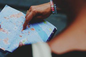 海外旅行にガイドブックは必要?