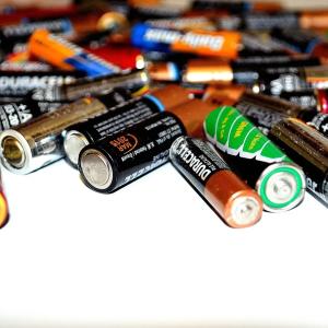 バッテリーは温度上昇と共に劣化:10℃2倍則