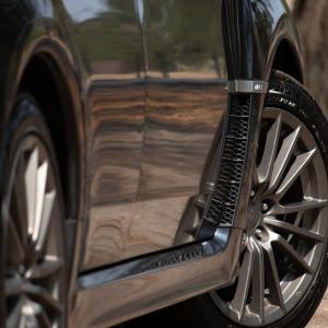 タイヤの茶色い汚れの落とし方:新品同様の綺麗な黒さを復活!