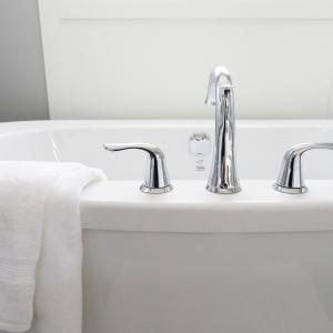 [図解]湿気に負けない効率的な風呂場の換気方法|プロによる解説
