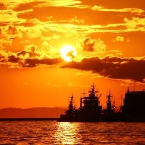 バリ島も 釧路の夕日も まだ見ぬが マニラ湾では 眺めし日あり(コウイチ)