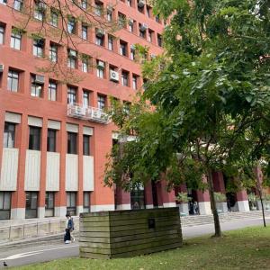 台湾の大学の中間テストが始まりました