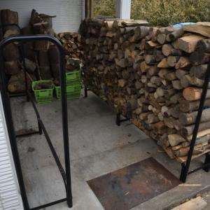 薪棚に車を横付けできる?一輪車が段差なしでアクセスできる?