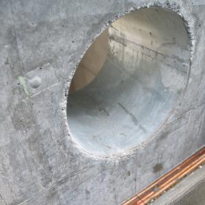 壁面貫通して、外壁に煙突を立ち上げる場合の注意点
