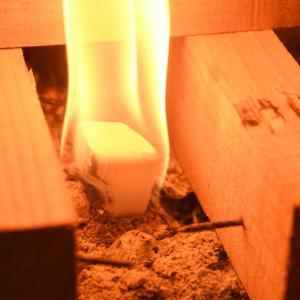 釘やビス付きの建築廃材をそのまま燃やして良いのか?