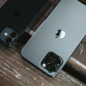 【悲報】iPhone12 miniさん、過去3年で最低売上だった機種を大幅に下回るガチの大爆死