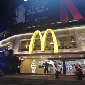 久しぶりの夜マックカフェ♪〜マレーシア・クアラルンプール