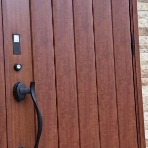 玄関ドアはカードキーが便利♪LIXILカザスプラス。