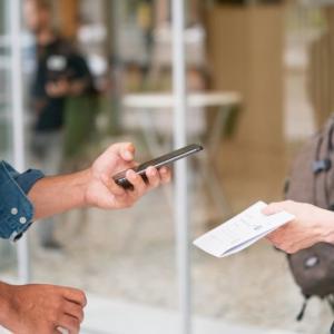 QRコードを読み取るだけでWIFI接続が完了するカードを簡単に作れるサービスWiFi Login Card