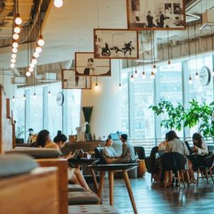 飲食店の人が入らない時間をテレワークや会議として有効利用できる「ワークスルー」