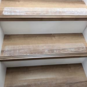 【建売住宅】階段滑り止めを設置