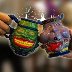 【遊戯王OCG】『強欲な壺マグカップ&貪欲な壺湯呑』『在宅デュエリストをダメにするマシュマロンクッション』『CHARA-MASK』などプレミアムバンダイから遊戯王グッズが多数登場 予約受付は9月24日から