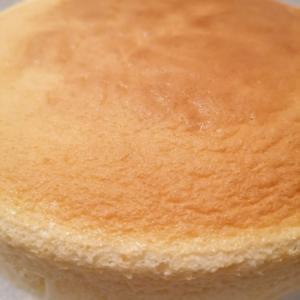 なぜ膨らまないの? 日本発祥の「スフレチーズケーキ」
