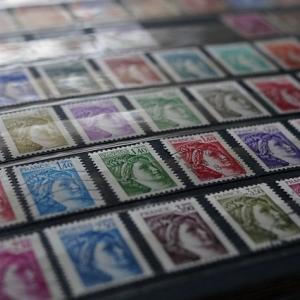 フランスの切手代の値上がりがスゴい !